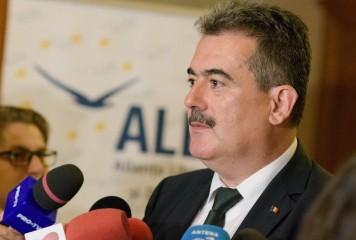 Reactie de la varful ALDE: Pentru a-si atinge scopul politic, Iohannis nu ezita sa isi critice tara