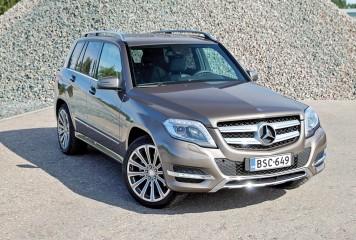 Mercedes cheama la control inca 60.000 de masini