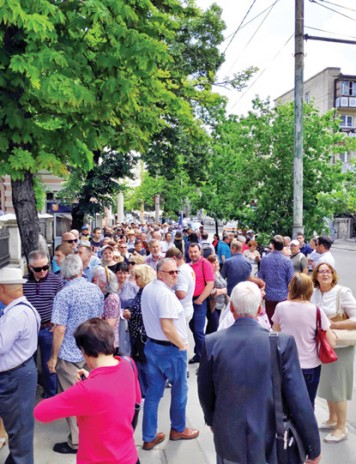 600.000 de moldoveni, transformati in cetateni romani cu drept de vot