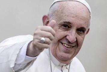 """Plic cu 5.000 de euro rătăcit în """"toaleta papală"""""""