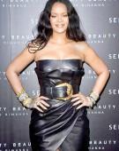 Rihanna, cea mai bogata cantareata din lume
