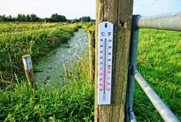Vreme instabilă: caniculă la câmpie, vijelii în Moldova