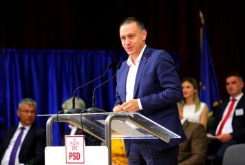 """""""PNL își bate joc de românii muncitori"""""""