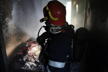 Ce s-a întâmplat după ce locuința unui bătrân a luat foc