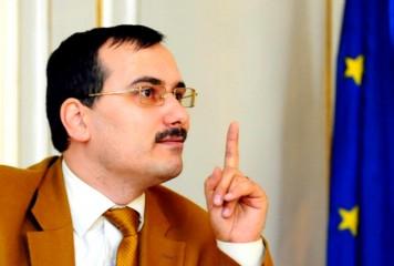 ULTIMA ORĂ: Preşedintele Alianţei Tăticilor, acuzat că și-a VIOLAT fetița de 10 ani. Bogdan Drăghici a fost reținut