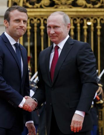 Pactul Macron-Putin: Ucraina, sfârtecată!