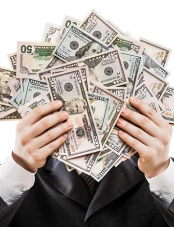 Bunăstarea capitalismului: salariul unui CEO a crescut cu 1000% în ultimii ani!