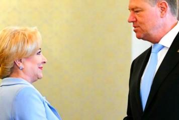 """Președintele Iohannis o place pe Viorica Dăncilă: E """"simpatică"""", dar """"trebuie să mai studieze"""""""