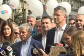 Barna şi-a depus candidatura la prezidenţiale. Cioloş i-a fost alături la BEC