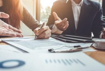 Negocierile clienţi-bănci aduc milioane de euro