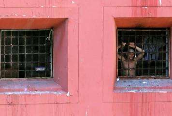 Italia, certată pentru condiţiile din închisori