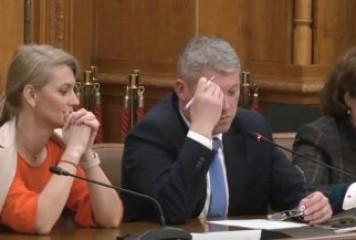 Predoiu, aviz negativ în comisii. Zeci de voturi de respingere