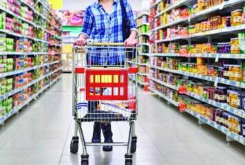 Supermarketurile au învins. Fără produse românești pe rafturi