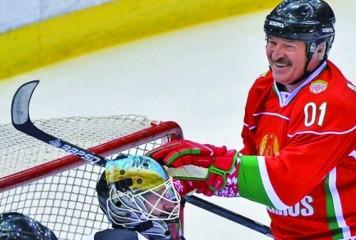 """Preşedintele Belarusului, meci de hochei: """"Aici nu sunt virusuri"""""""