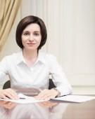 Maia Sandu a anuntat prima ca a vorbit cu Iohannis si ca vine in Romania