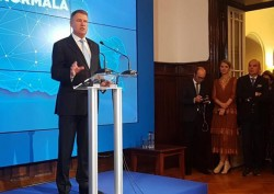 Iohannis, monolog cu jurnaliști teleghidați
