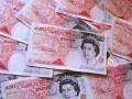Şase englezi deţin o avere cât 13 milioane de oameni