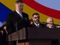 """Aplauze printre huiduieli la Iaşi. Iohannis: Mulţumesc pentru primire/""""VREM AUTOSTRADĂ"""""""