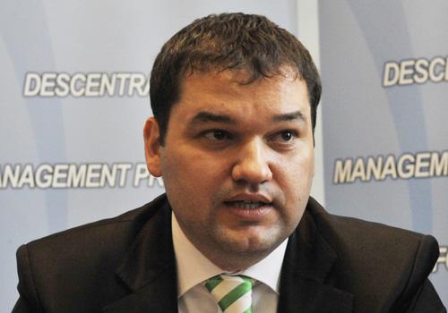 CSEKE ATILA FANE 6 Senator UDMR: Credem ca nu se impune demararea procedurii de suspendare a presedintelui