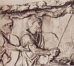 draco columna copy 300x269 Epopeea steagului dacic de lupta    Partea I