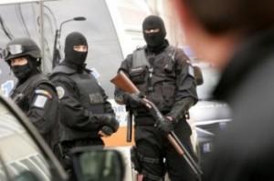 Mascati1 300x199 Descinderi in Capitala: Politia, pe urmele unui temut clan interlop acuzat de violenta
