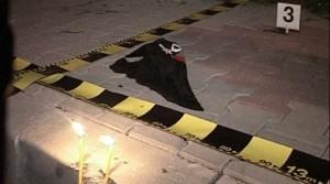 OMORAT CU TOPORUL 300x167 O crima socheaza Buftea: Un tanar a fost omorat cu toporul in plina strada