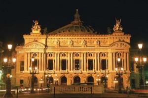 Opera garnier 300x198 Marius Vizer a strans toata lumea buna a Bucurestiului la Opera din Paris