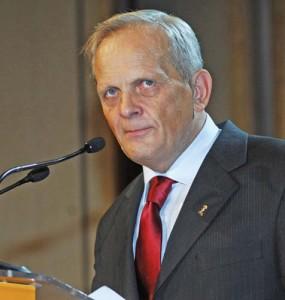 TEODOR STOLOJAN FANE 14 copy 285x300 Stolojan: Romania, amenintata de recesiune