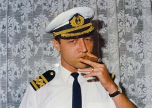 TRAIAN BASESCU FANE 51 copy 300x213 Basescu a petrecut cu fostii colegi, la Neptun