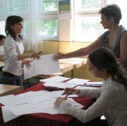 bacalaureat BAC ul de toamna 2011: Candidatii sustin luni prima proba scrisa, la Limba si literatura romana