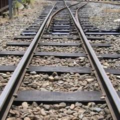 cale ferata accident Masina lovita de un tren ce venea catre Capitala