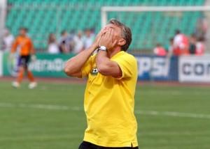 dan petrescu onlinesport.ro  300x214 Mega scandal in Rusia: Dan Petrescu, suspectat de blaturi!