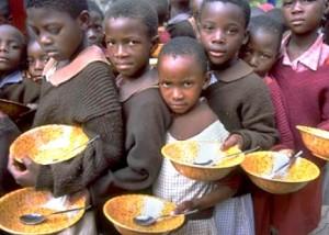foamete africa 300x214 Asistenta sociala in Romania, la nivelul tarilor africane bantuite de foamete
