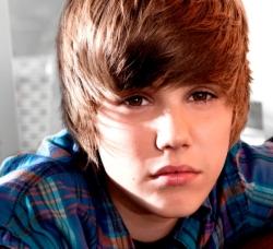 justin bieber Justin Bieber a fost lovit de o masina!