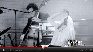 lady gaga promo 300x169 Lady Gaga, cum nu ai mai vazut o: Topless la pian si surf in bikini!   FOTO/VIDEO
