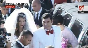 nunta borcea 111 300x166 Cristi si Alina Borcea, la biserica. VEZI PRIMELE IMAGINI!