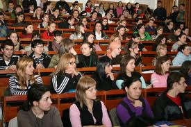 studenti Studentii vor sa aiba cuvantul in alegerea rectorilor
