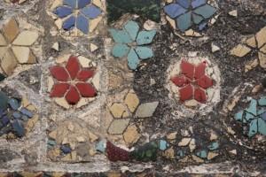 """8.floricele rosii galbene si albastre care inconjoara centrul universului 300x200 Ritualul de nemurire al """"lupilor"""" geto daci"""