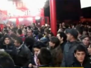 321sdf 300x225 Haos in hipermarket: Peste 6.000 de craioveni s au inghesuit la promotii VIDEO