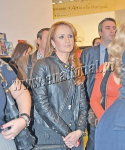 Diana Munteanu Diana 0001 copy 249x300 Mihaela Borcea a sarbatorit trei zile si trei nopti