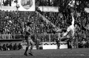 In 1987 spre finalul carierei in stanga Dan Petrescu 300x195 Ieri fosta glorie a lui Dinamo, azi navetist la Chirnogi