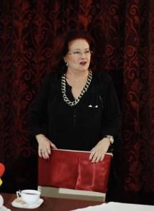 Stela Popescu Narcis Pop 22 219x300 Actrita Stela Popescu, ultima data la Teatrul Constantin Tanase. Primita cu aplauze