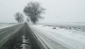 ninsoare 300x173 Avertizari: vant puternic si ninsoare in zonele montane din mai multe judete