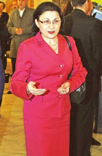 Ecaterina Andronescu Narcis Pop 3 Andronescu subliniaza, inaintea CEx: PSD ul trebuie sa guverneze tara!