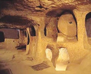 derinkuiu foto 300x246 Orasele subterane ale getilor si portile spre taramul celalalt ale mayasilor