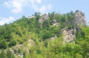 1 manastirea negru voda 300x198 Calea Zeilor din Cetateni, cel mai misterios loc din Romania  (I)
