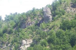3 dealul chipuriei 300x198 Calea Zeilor din Cetateni, cel mai misterios loc din Romania  (I)