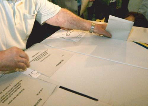 VOTARE FANE 1 Romania alege. Prezenta la vot la parlamentare a depasit 34%, la ora 18