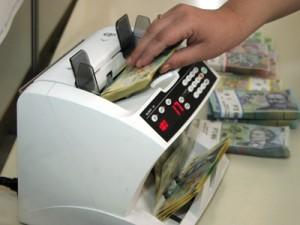 lei bani bihon 300x225 Rata anuala a inflatiei a urcat la 5%, in martie