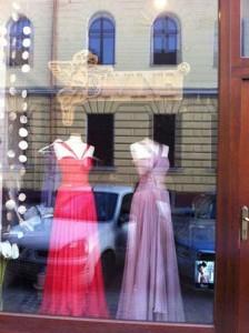 maria lucia 2 224x300 Maria Lucia Hohan si a descoperit colectia de moda intr o vitrina din Brasov